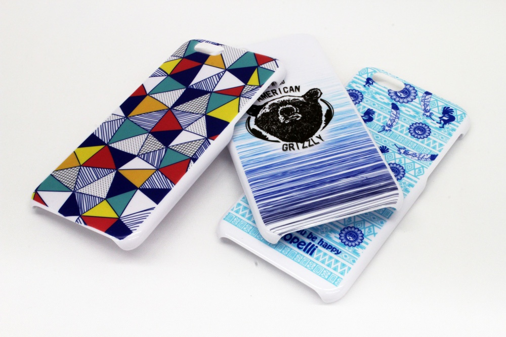 Custom design printing on the smartphone case by UV inkjet printer